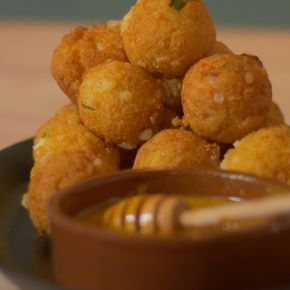 Feta Hushpuppies - Hushpuppies are perfect as appetizer, these ones are filled with feta cheese.