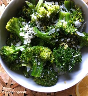 Lemon & Parmesan Broccoli - Lemon Parmesan Broccoli--a healthy side dish in just 10 minutes. #healthy vegetarian