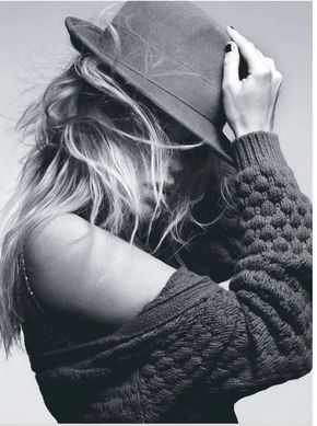 black and white photography | black and white, fashion, hair, hat, model, photography - inspiring...