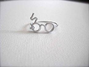Community Post: The 30 Most Perfect Gifts For Your Biggest Harry Potter Friends This Holiday Season - Harry Potter Scar & Glasses Ring   The 30 Most Perfect Gifts For Your Biggest Harry Potter Friends This Holiday Season