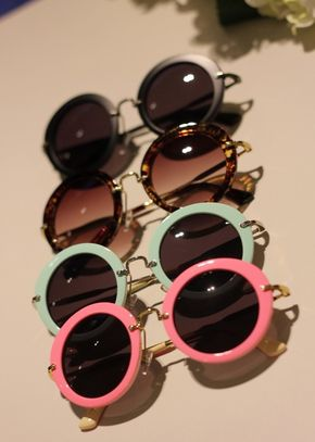 Round Sunglasses. #Fashion #Style. Find round sunglasses at http://www.smartbuyglasses.co.uk/designer-sunglasses/general/-Women-Round---------------------