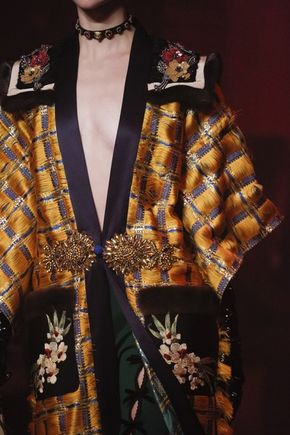 Gucci Spring 2017 Ready-to-Wear Fashion Show - See detail photos from the Gucci Spring 2017 show at Milan Fashion Week.
