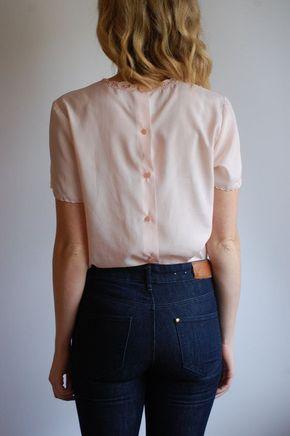 Vintage pink blouse / hand-embroidered feminine details M-L - Find more on @clemtoon555 's pinterest ★
