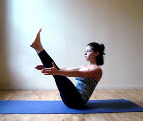 4-Limbed Staff - 5 interm/advanced yoga poses that strengthen your core. Boat pose
