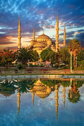 Sunset over the Sultan Ahmed Mosque (Sultanahmet Camii) or Blue Mosque, Istanbul, Turkey
