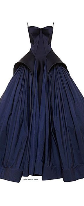 Zac Posen Resort 2015 Fashion Show - Zac Posen Royal Blue Tafetta Gown Resort 2015. Rent #ZacPosen collection on drexcode!