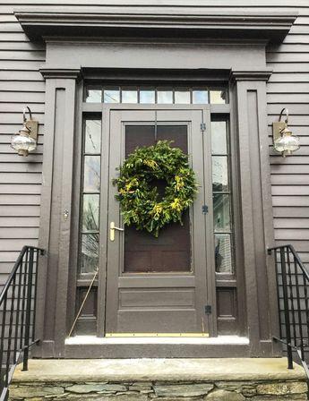 Newport's Holiday Doors
