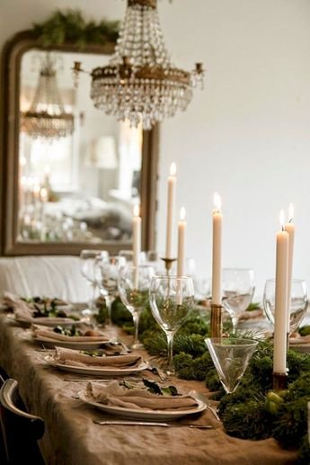 45 Best Christmas Dining Table Centerpieces Ideas