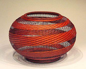 """so gracefully fluid--""""Spiral Pattern Flower Basket"""", 2007, Kajiwara Aya """"You…"""