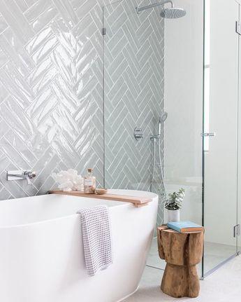 badkamer dubbele visgraat Half Tile light grey lichtgrijs 7,5 x 30 cm per m2 online bestellen - TEGELinfo