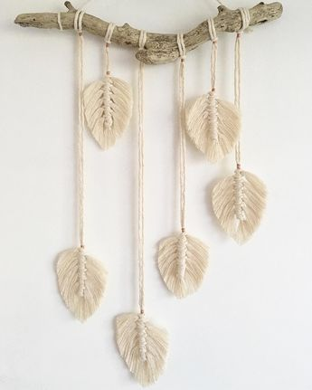 Macramé feathers, rose gold and magical driftwood ✨ . . . . . . . #handmadewithlove #macramé #macrame #macrameart #macramelove…