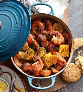 Yes to all of THIS. 🍤🌽 Vivian Howard @chefandthef's Frogmore Steam is the ultimate dish for a seafood feast. Corn, sausage, shrimp and potatoes seasoned with her Fins & Shells Rub and served in our @lecreuset Marine Blue Dutch Oven. Recipe + shop link in profile. #onepotmeal