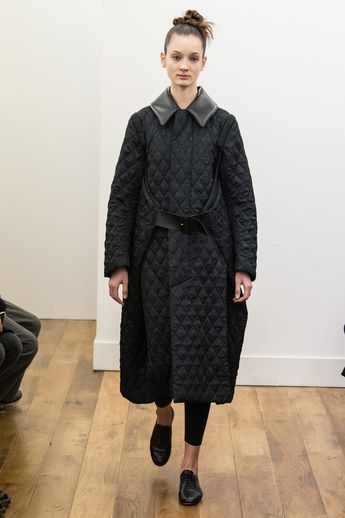 Noir Kei Ninomiya Fall 2017 Ready-to-Wear Fashion Show