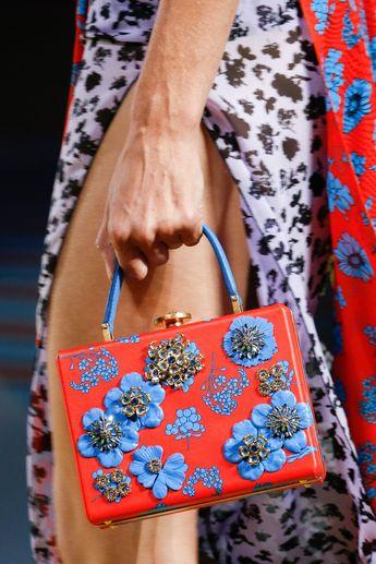 Versace Spring 2019 Ready-to-Wear Collection - Vogue #versacehandbags