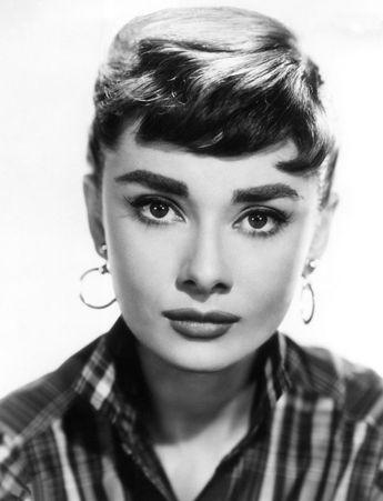 Brwi gwiazd w rozmiarze XXL: Audrey Hepburn, fot. East News