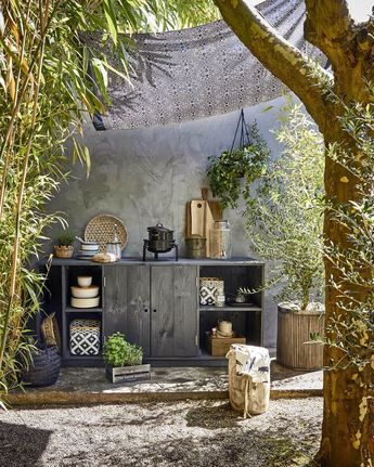 10 Charming DIY Outdoor Storing Suggestions