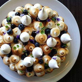 Blueberry Meringue Pie #pastry #patisserie #pastrychef #dessertmasters #dessert