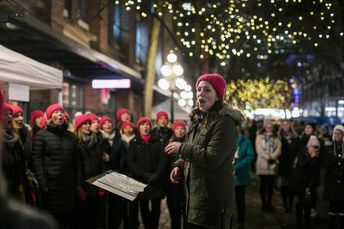 Why it's healthy to sing this holiday season
