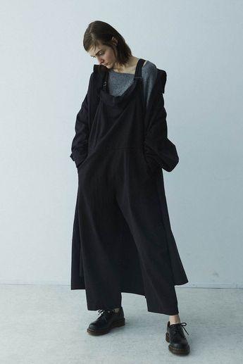 「ワイズ(Y'S)」が2018-19年秋冬コレクションを発表した。