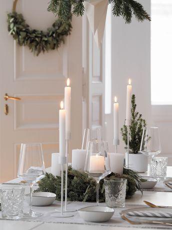 Schlicht und natürlich: die skandinavische Weihnachtstafel