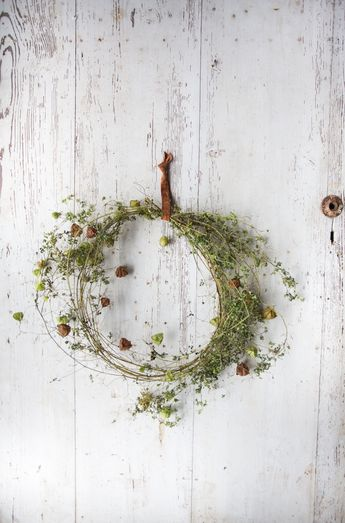 wreath-making with mandy
