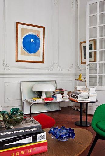 Couleurs, design et art contemporain dans une maison bourgeoise du sud de la France