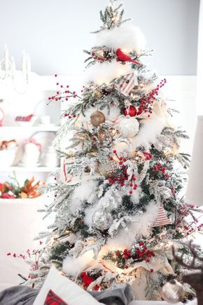 60 Flocked Christmas Tree Decor Ideas Suitable for Special Moment