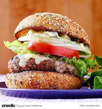 İşte bu hamburger peynir severlerin gözlerinden kalpler çıkaracak.