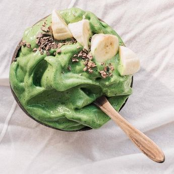Fluffy green goodness by @fivesechealth!  Want to make it yourself? You'll just need 2 handfuls fresh spinach, 3 large frozen bananas, 1tbsp flaxseed, 1tsp spirulina and 1 tsp moringa powder     www.coconutbowls.com