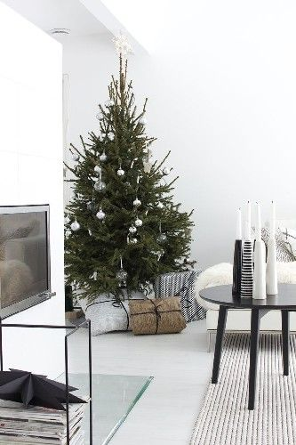 Christmas Decoration to your Living Room
