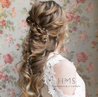 Romantic bridal updo  #hair #wedding #bridal #bride #updo #romantic #inspiration #specialoccasion #homecoming #prom #bridesmaid