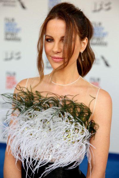 Actor Kate Beckinsale attends the 2017 Film Independent Spirit Awards.