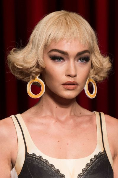 Moschino, Spring 2017 - Milan's Most Unique Spring '17 Runway Jewelry - Photos