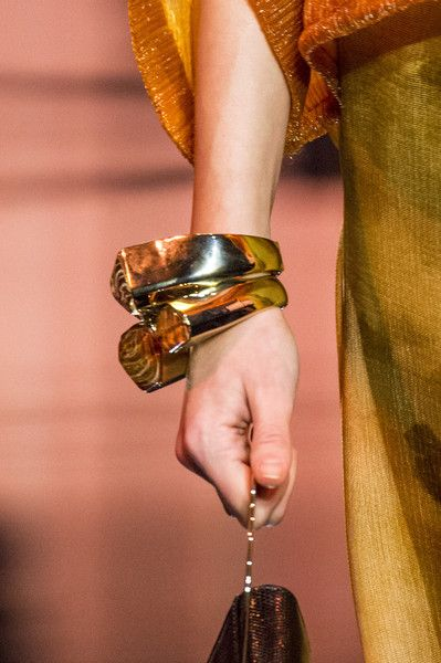 Armani Privé, Couture Spring 2017 - Couture's Spring '17 Runway Jewelry Is Really Fierce - Photos