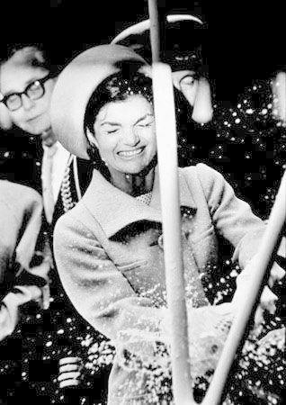 Celebrate Good Times - These Rare Photos of Jackie O Are So Touching - Photos