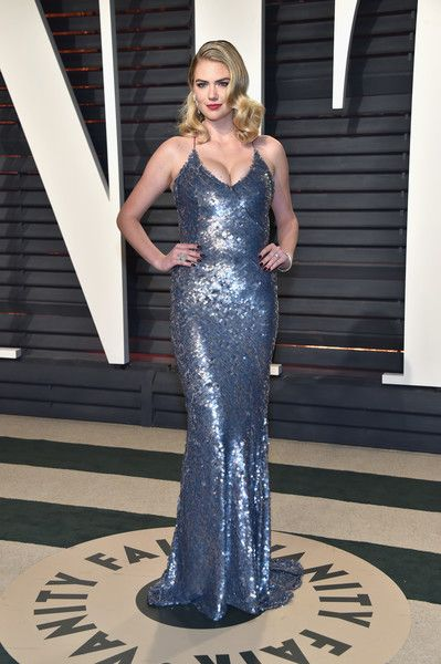 Model-actress Kate Upton attends the 2017 Vanity Fair Oscar Party hosted by Graydon Carter at Wallis Annenberg Center for the Performing Arts on February 26, 2017 in Beverly Hills, California.