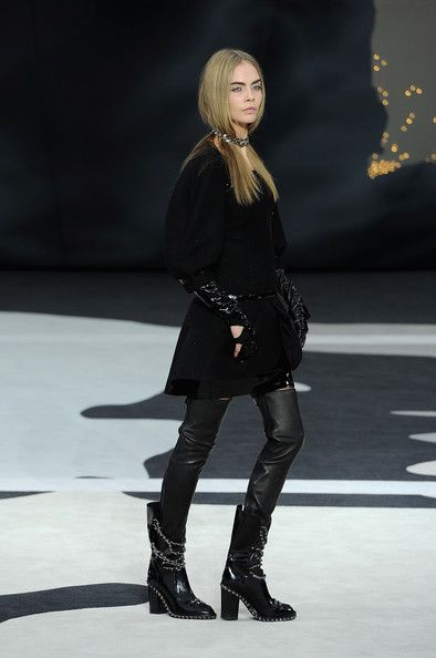 Chanel, Fall 2014 - Cara Delevingne on the Catwalk - Photos