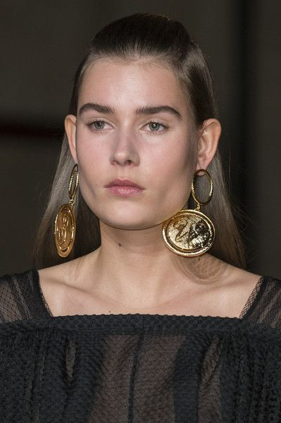 Emilia Wickstead, Fall 2017 - The Most Badass Jewelry on the London Runway - Photos