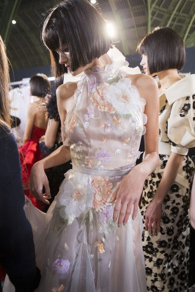 Backstage at Ralph & Russo Couture Spring 2017 - Beautiful Backstage Couture Photos From Paris - Photos
