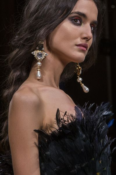 Alberta Ferretti, Fall 2017 - Milan's Most Eye-Catching Runway Jewelry for Fall - Photos