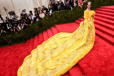 The Most Incredible Met Ball Gowns of All Time - The Most Daring Met Gala Dresses - Photos