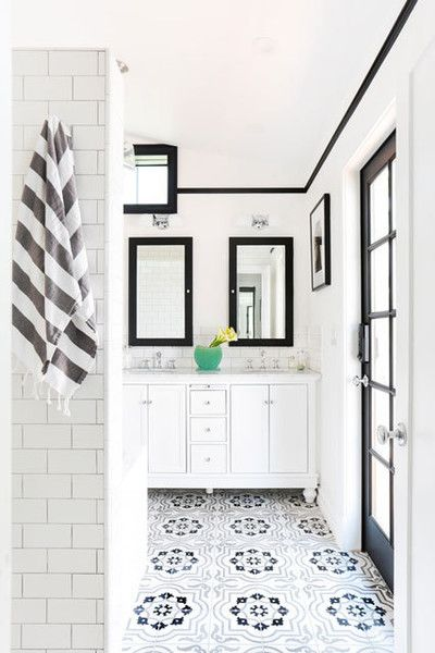 A Remodeled Los Angeles Bathroom - 10 Ideas To Steal From Homepolish's Instagram - Photos