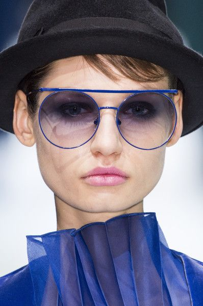 Giorgio Armani's High Neck and Neon Shades - '80s Trends Making a Comeback on the Runway - Photos