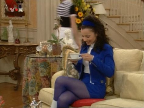 Going Monochrome Is So Chic - Style Lessons We Learned From 'The Nanny' - Photos