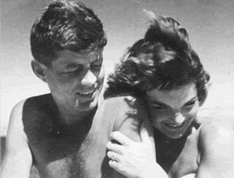 Sweet Swimming Moment - These Rare Photos of Jackie O Are So Touching - Photos