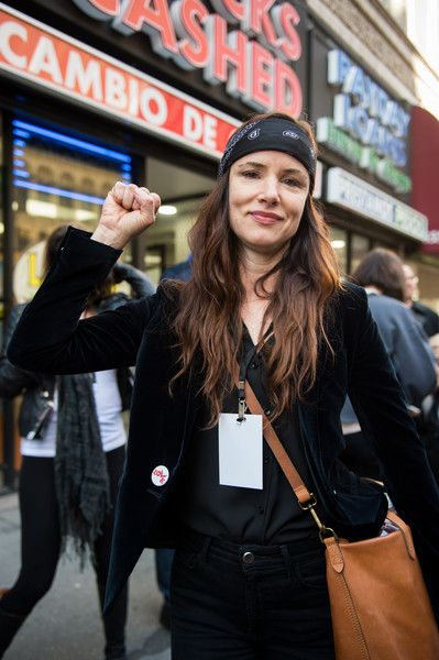 Actress/musician Juliette Lewis attends the Women's March in Los Angeles.