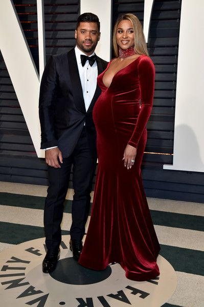 NFL player Russell Wilson (L) and recording artist Ciara attend the 2017 Vanity Fair Oscar Party hosted by Graydon Carter at Wallis Annenberg Center for the Performing Arts on February 26, 2017 in Beverly Hills, California.