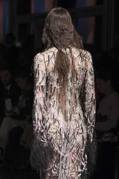 Alexander McQueen, Fall 2017 - Must-See Details From the Fall 2017 Paris Collections - Photos
