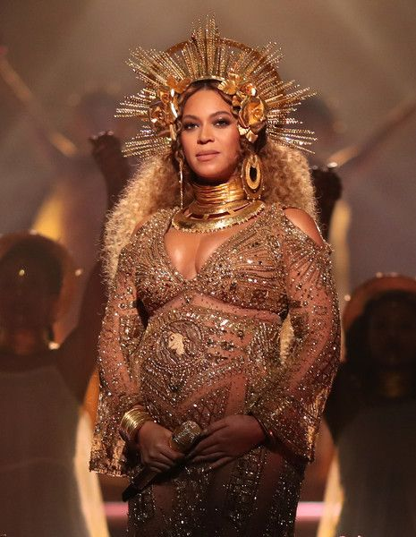 Beyonce Knowles Photos Photos - Singer Beyonce during The 59th GRAMMY Awards at STAPLES Center on February 12, 2017 in Los Angeles, California. - The 59th GRAMMY Awards -  Roaming Show