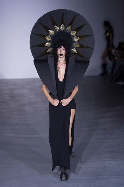 Gareth Pugh, Spring 2017 - The Most WTF Runway Moments of the Last 5 Years - Photos